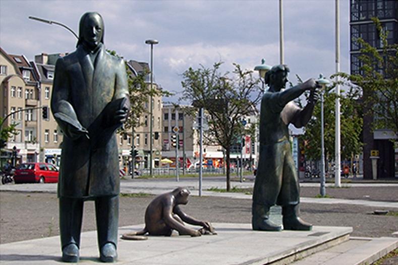 Tegel ehemalige Statuen